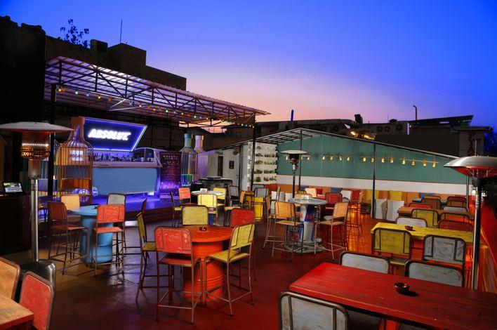 summer house cafe - Houz Khas Village